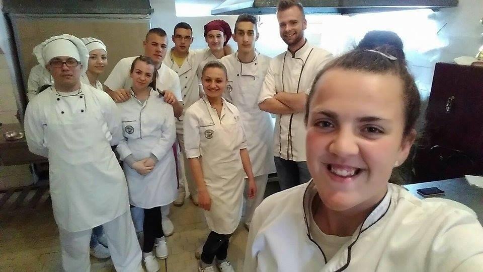 Никола с учениками на кухне
