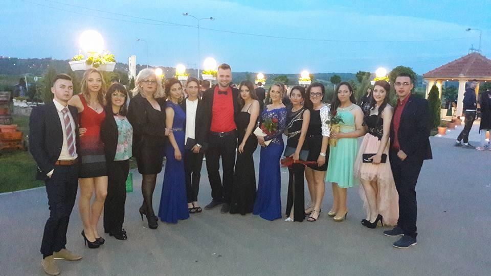С выпускниками