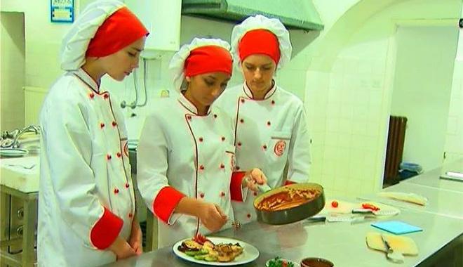 Участницы кулинарного конкурса