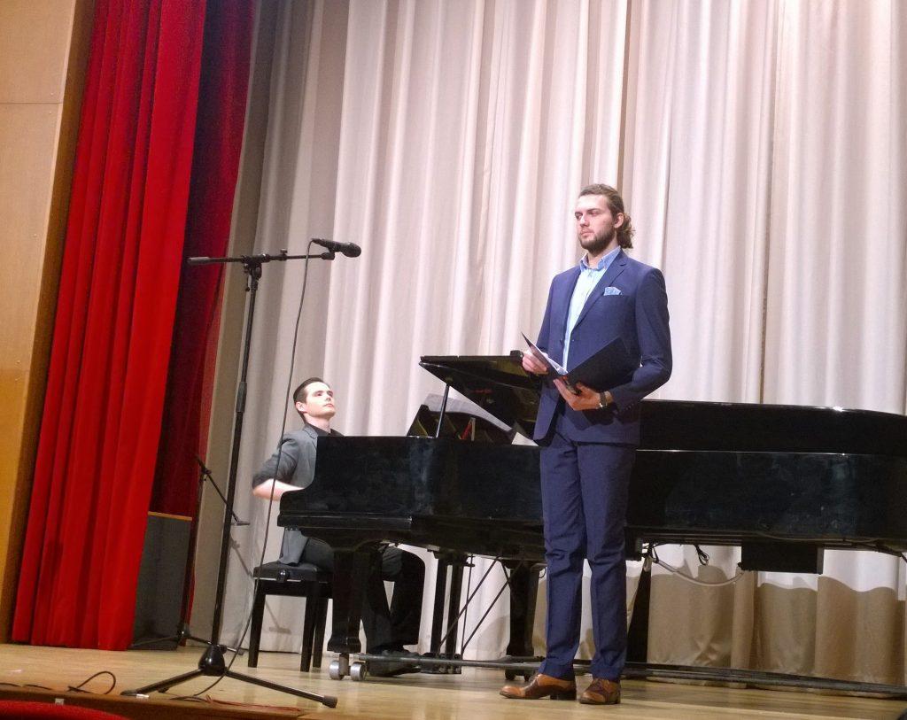 Дарко Тодоровский, дипломант Романсиады, исполнил русские романсы  и македонские народные песни.